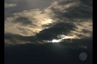 Paraenses puderam ver eclipse parcial do sol na tarde desta segunda-feira, em Belém - O Núcleo de Astronomia da UFPA colocou telescópios à disposição de quem quisesse ver o eclipse parcial do sol na capital