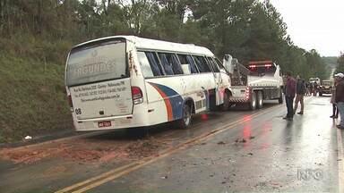 Recebem alta os jogadores do Iraty que sofreram um acidente no sábado - O acidente com o elenco sub-23 foi na BR-153, na região de Imbituva.