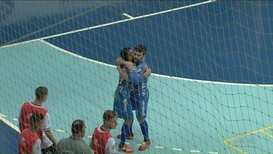 Umuarama vence e chega à oitava posição da Chave Ouro de Futsal - O time alcançou o G8, mas pode ser ultrapassado pelo São Lucas de Paranavaí, que tem dois jogos a menos.
