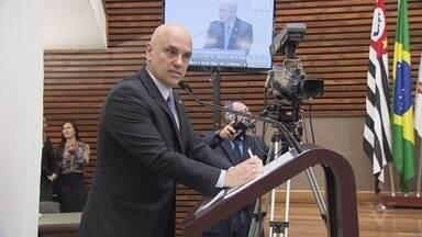 Ministro do STF Alexandre de Moraes recebe título de Cidadão Santista - Ele esteve na região nesta segunda-feira (21).