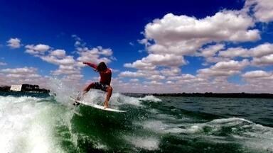 "Turma do wakesurfe ""invade"" o Lago Paranoá para competição - Turma do wakesurfe ""invade"" o Lago Paranoá para competição"