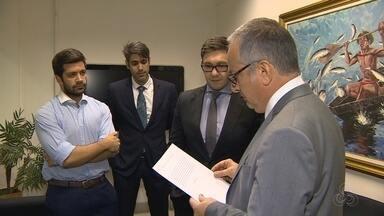 Eduardo Braga é entrevistado na Rede Amazônica; Amazonino Mendes não vai a debate - Eduardo Braga (PMDB) foi entrevistado pelo jornalista José Roberto Burnier.