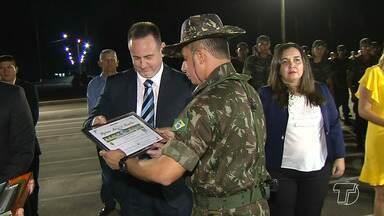 Aniversário do 8º BEC e Dia do soldado são celebrados em Santarém - Em comemoração ao 47º aniversário da chegada do 8º batalhão de engenharia de construção, foi realizada na noite de sexta-feira (25), a cerimônia oficial que também celebrou o dia do soldado.