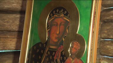 Comunidade polonesa faz festa neste domingo (27) no Bosque do Papa - O destaque é um quadro com a imagem da Padroeira da Polônia.
