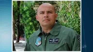 Policial baleado em tentativa de assalto é enterrado em cemitério no Eusébio - Edvaldo José Santana Flexa foi abordado por dois bandidos no Bairro Guararapes