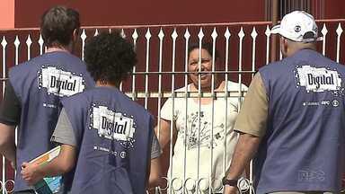 Patrulha Digital percorre o bairro Chapada, em Ponta Grossa, neste sábado (26) - Técnicos deram orientações sobre o sinal digital.