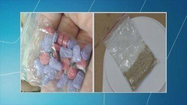 Polícia Federal prende três pessoas por suspeita de venda de ecstasy - Criminosos usavam correios para transportar a droga.