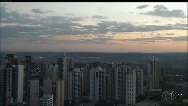 Veja como fica o tempo em Goiás nesta segunda-feira (28) - Previsão é de tempo seco, sem possibilidade de chuva em praticamente todas as regiões do estado.