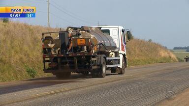 Daer começa trabalho de restauração da RSC-153 - Rodovia estava em situação precária.