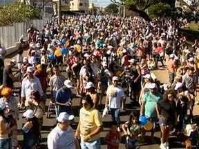 Mais de 8 mil pessoas participam do Mania de Cão com seus pets - Evento da TV Fronteira ocorreu neste domingo (27).
