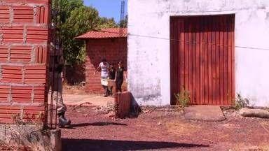 Corpo de jovem é encontrado dentro de uma casa na região sul de Palmas - Corpo de jovem é encontrado dentro de uma casa na região sul de Palmas
