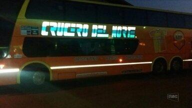 Ladrões obrigam passageiras argentinas a ficarem nuas e atiram contra ônibus - Ladrões obrigam passageiras argentinas a ficarem nuas e atiram contra ônibus