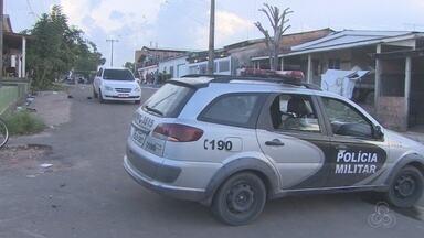 Quatro homens em táxi morrem após troca de tiros com a polícia na Zona Sul de Macapá - Indivíduos teriam reagido a abordagem da polícia e atirado contra militares. Ocorrência foi na tarde de segunda-feira (28) no bairro Congós.