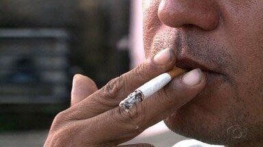 Pesquisa mostra que fumaça de cigarro prejudica a saúde de crianças - Fumantes passivos possuem mais chances de contrair doenças graves.
