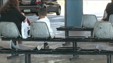 Passageiros reclamam das condições do transporte coletivo em Paranavaí - A situação do terminal e os horários de ônibus são as reclamações mais comuns.