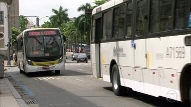 Preço das passagens de ônibus continua o mesmo no Rio, apesar da ordem de redução - Determinação da justiça para diminuir a tarifa em vinte centavos completou onze dias e medida ainda não foi tomada