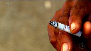 Pesquisa revela que cigarro está ligado a uma em cada dez mortes no mundo - Nesta terça-feira é comemorado o dia nacional de combate ao fumo