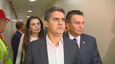 Governador David Almeida rebate críticas de Amazonino Mendes sobre gastos - Governador esteve no TCE nesta terça-feira (29).