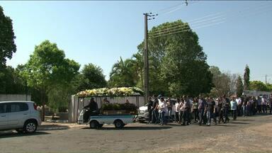 Corpo de arquiteto assassinado é enterrado em Paranavaí - A Polícia Civil segue com as investigações.