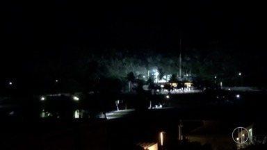 Explosão de transformador em Arraial do Cabo, RJ, causa 'clarão' - Bairro ficou cerca de duas horas sem luz.