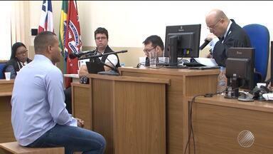 Acusado de matar dançarino 'Lady Butterfly' é julgado em Porto Seguro - Crime aconteceu em 2013 e chocou a população, pois a vítima era muito conhecida na região.