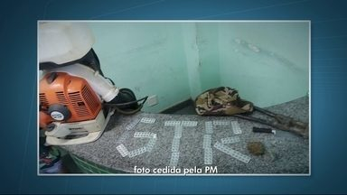 """PM apreende mais de 200 comprimidos de Roupinol em um carro na DF230, perto de Planaltina - O remédio é usadfo no golpe conhecido como """"Boa Noite Cinderela"""", que tem aumentado nas festas do DF."""