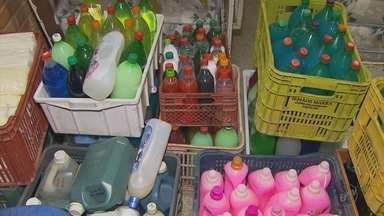 Dois caminhões de produtos químicos clandestinos são apreendidos em Poços de Caldas (MG) - Dois caminhões de produtos químicos clandestinos são apreendidos em Poços de Caldas (MG)
