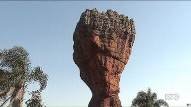 Visitantes do Parque Estadual de Vila Velha terão que contratar um guia para o passeio - A obrigatoriedade é por causa do vandalismo nas formações de arenito.