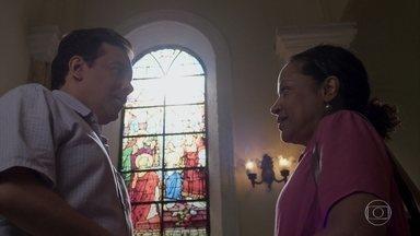 Madalena conta para Nelito que Dom é seu filho - Ele fica surpreso com a história