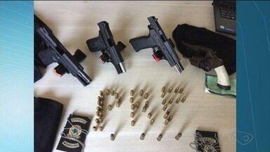 Criminoso em carro roubado é perseguido pela BR-101 em Linhares, ES - Até o helicóptero da Polícia Militar foi usado.