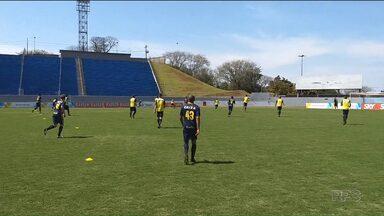 Com promoção de ingresso e horário diferente, Londrina está pronto - Tubarão inclusive treinou às 11h, horário da partida deste domingo (3) contra o Cruzeiro, no estádio do Café, pela semifinal da Primeira Liga