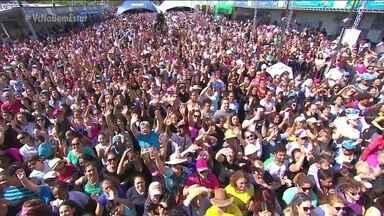 Bem Estar Global leva alegria e saúde ao público de Londrina - Na última sexta-feira (1º) o Bem Estar Global visitou a sétima cidade este ano, Londrina- Paraná. A população aproveitou para se divertir com as atrações musicais e também para tirar dúvidas sobre saúde e bem estar. Próxima cidade será Manaus.