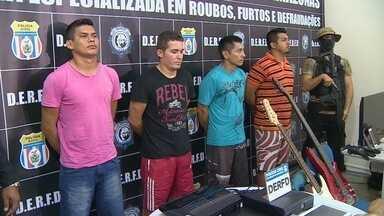 Suspeitos de roubos a condomínios de luxo são presos em Manaus - Quatro homens apontados como integrantes de uma quadrilha foram presos preventivamente. Eles eram chamados de 'ninjas' pelo uso de roupas pretas e máscaras.