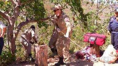 Uma pessoa morre e sete ficam feridas após carro cair de penhasco em Taquaruçu - Uma pessoa morre e sete ficam feridas após carro cair de penhasco em Taquaruçu
