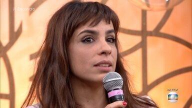 Maria Ribeiro comemora sucesso do filme 'Como Nossos Pais' - Lúcio Mauro Filho se emociona durante a conversa sobre o roteiro do longa, que foi premiado com 6 kikitos no Festival de Gramado