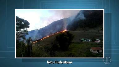Incêndio em Bom Jardim, RJ, destroi área de vegetação na Região Serrana - Outros focos de incêndio foram registrados na Serra neste fim de semana.