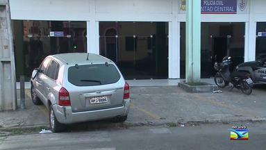 Homem tenta fugir, mas é preso com carro roubado em São Luís - Homem tenta fugir, mas é preso com carro roubado em São Luís. O caso foi registrado no Plantão Central da cidade.