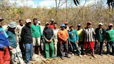 Trabalhadores cearenses são resgatados de trabalho análogo ao escravo no Maranhão - Operação policial flagrou as condições do alojamento e resgatou os trabalhadores.