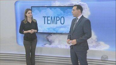 Veja a previsão do tempo para esta quinta-feira (14) na região de Ribeirão - Pela manhã, os termômetros já marcavam 30ºc.