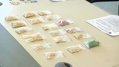 Polícia prende dois suspeitos de vender drogas em festas rave - Os comprimidos apreendidos seriam vindos de países da Europa