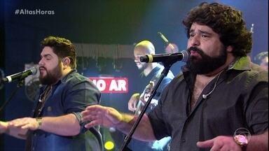 César Menotti e Fabiano cantam 'Brincar de Ser Feliz' - A dupla levanta a plateia do 'Altas Horas'