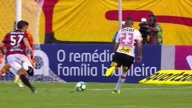 Melhores momentos de Vitória 1 x 2 São Paulo pela 24ª rodada do Campeonato Brasileiro - Melhores momentos de Vitória 1 x 2 São Paulo pela 24ª rodada do Campeonato Brasileiro