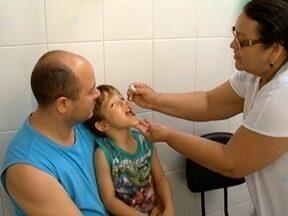Campanha Nacional de Multivacinação segue até sexta-feira - Salas de vacina funcionam até às 17h.