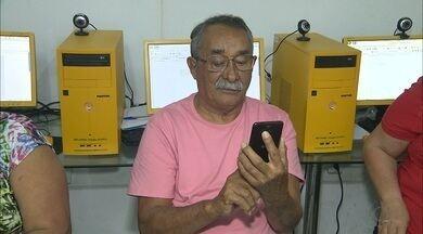 Idosos procuram cursos de informática para aprender a lidar com redes sociais - Cursos em Campina Grande ajudam idosos a se manterem conectados.