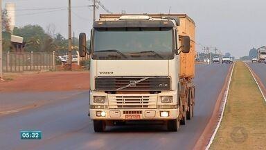 Exame toxicológico passa a ser obrigatório para motoristas que dirigem veículos pesados - Exame toxicológico passa a ser obrigatório para motoristas que dirigem veículos pesados.