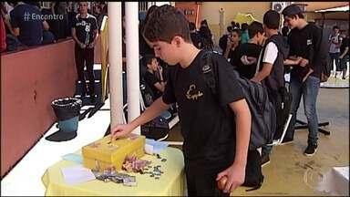 Escola de Minas ensina ética na prática - Os próprios alunos são responsáveis por escolher o produto e pagar