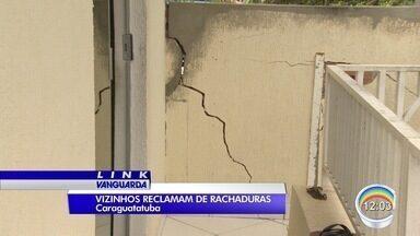 Moradores de Caraguá reclamam de rachaduras nas casas - Causa seriam as obras do contorno.