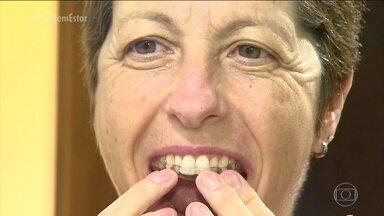 Placa de silicone e terapias contra estresse ajudam no tratamento do bruxismo - Mas a placa não é a única aliada contra o bruxismo. Como a principal causa do bruxismo é o estresse, aliviar a tensão ajuda a controlar o hábito de ranger ou apertar os dentes.