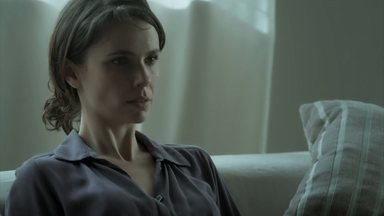 Irene perde o bebê - Mira fica perplexa quando a amiga afirma que continuará grávida