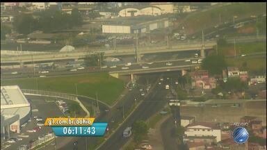 Veja imagens do trânsito nas avenidas Paralela, Luís Eduardo, Jequitaia e Oscar Pontes - Confira no Radar do JM.